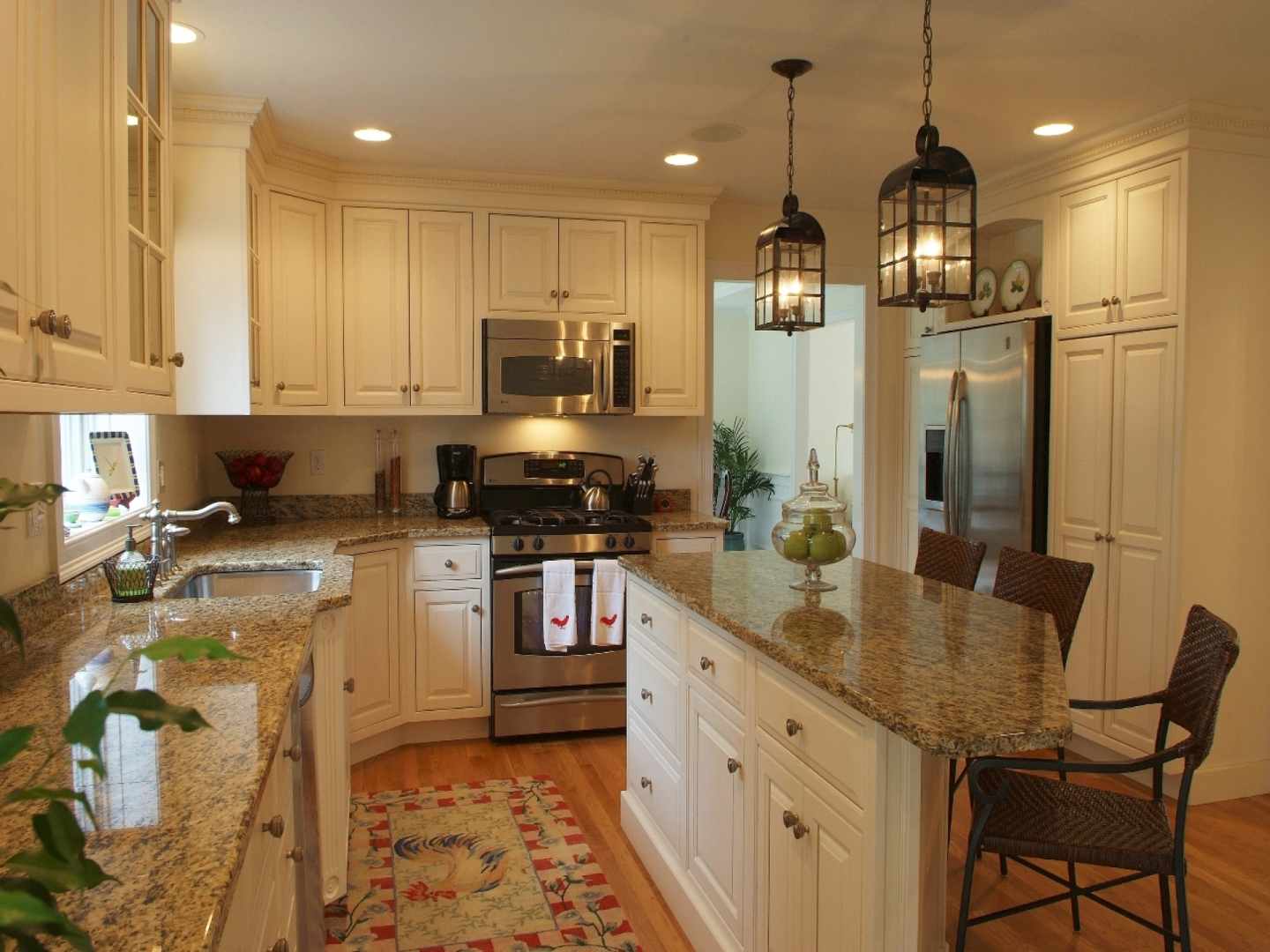 granite-countertops-kitchen-cabinets.jpg